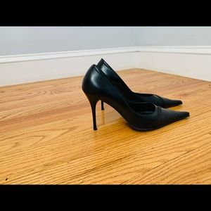 Gorgeous black stilettos size 4.5 made in Italy